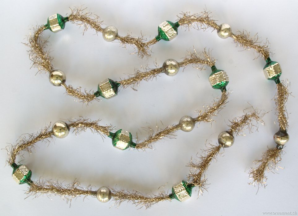 Ornament: Tinsel Garland With Green And Silver Beads